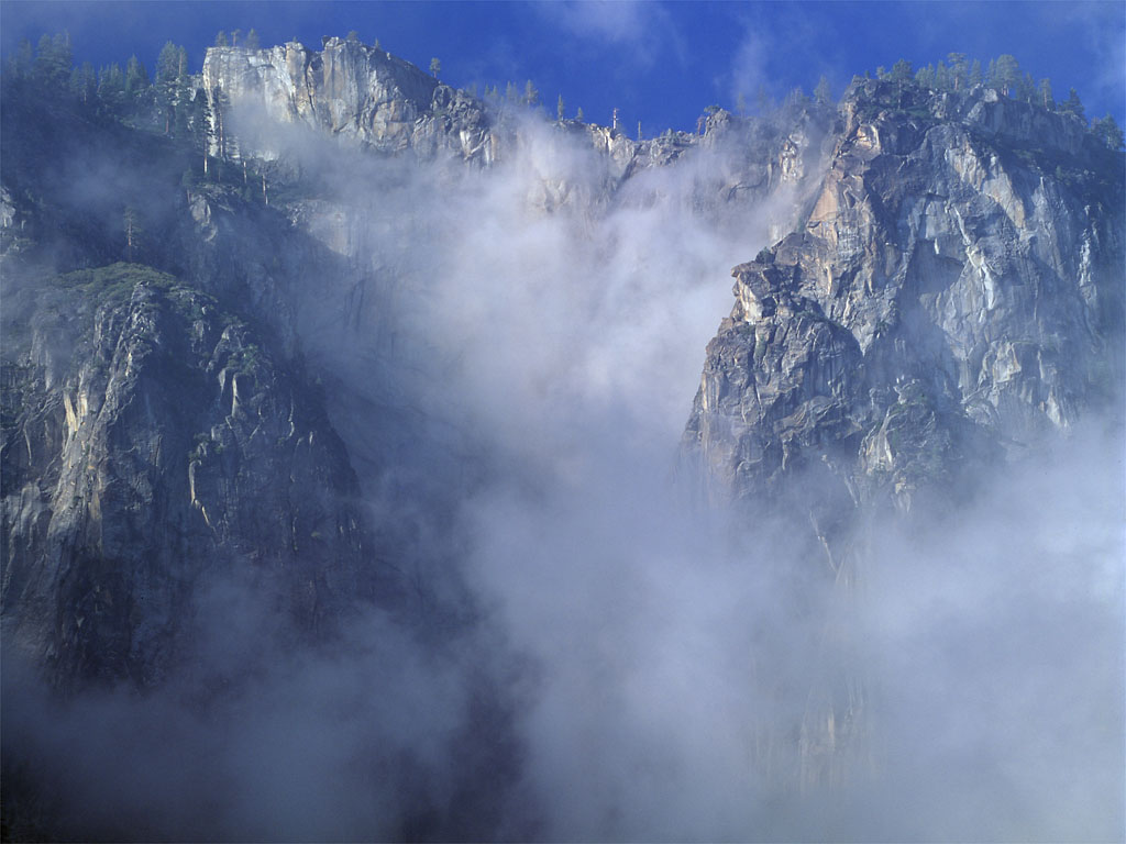 Click image for larger version  Name:Cliff in Clouds.jpg Views:51 Size:122.3 KB ID:176322